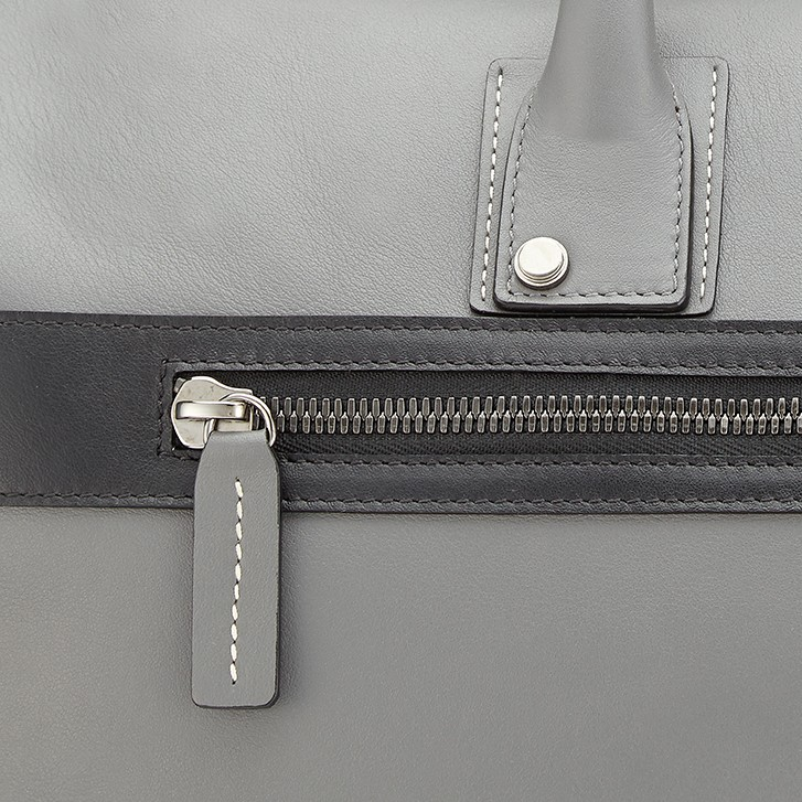 G9 Mens Duffle Bag Smoke / Shark Grey Close Up